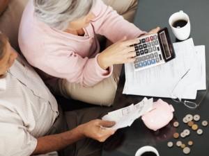 Можно ли взять кредит пенсионеру?