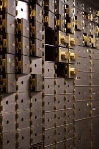 Зачем нужна банковская ячейка при сделках с недвижимостью