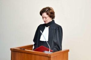 сколько зарабатывают судьи в России