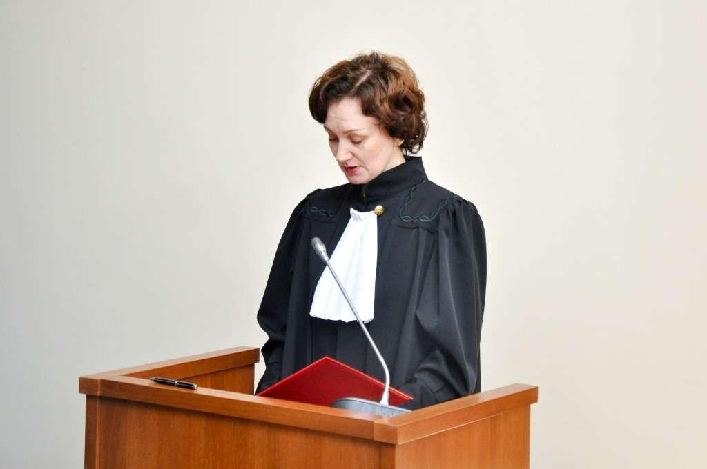 сколько получает мировой судья