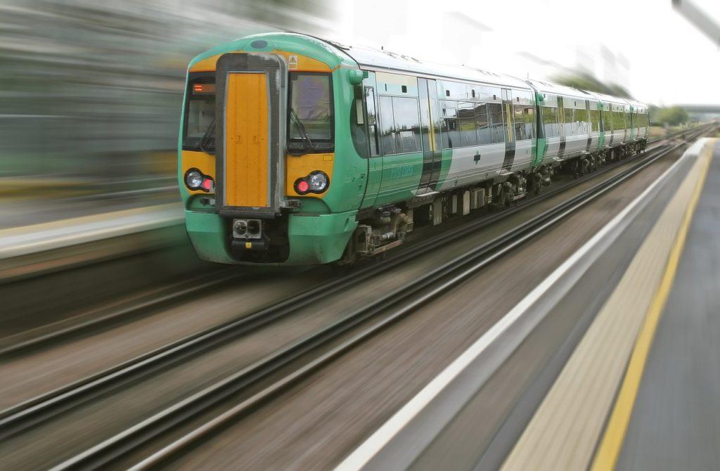 сколько платят машинистам поезда