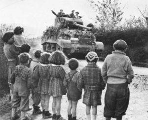 """пособия и льготы """"детям войны"""""""