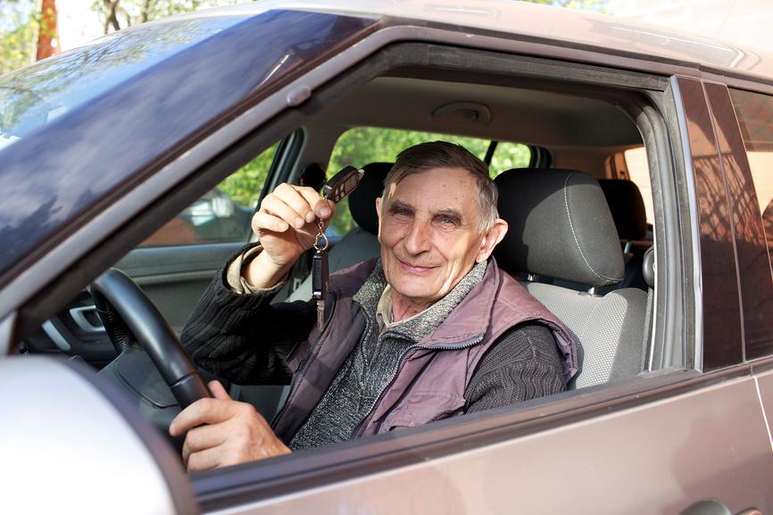 нужно ли платить транспортный налог пенсионерам