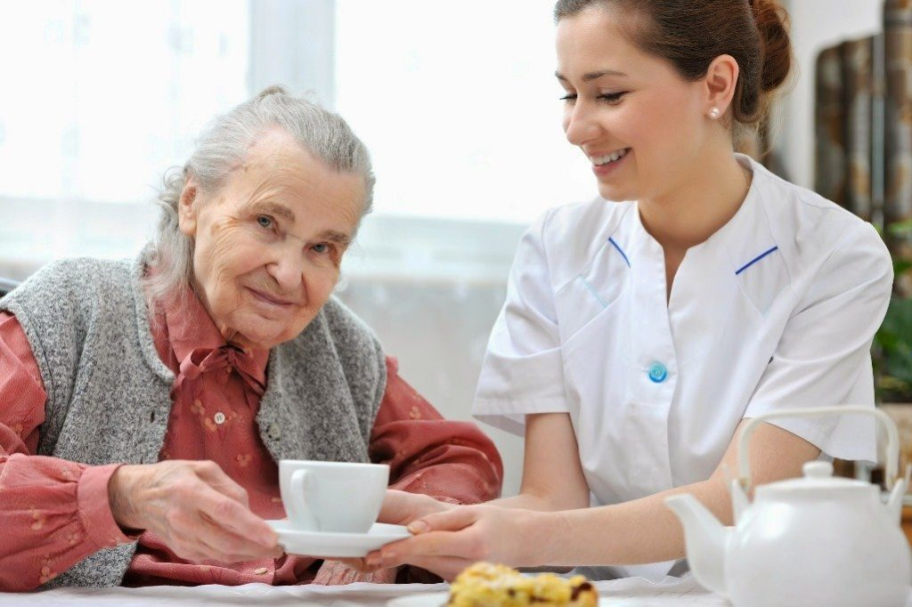 как оформить опекунство над пожилым недееспособным человеком